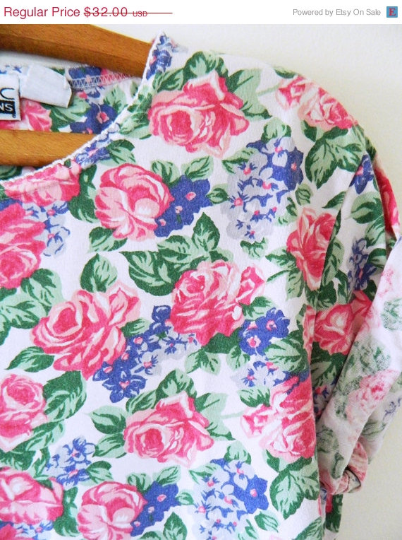 MOVING SALE 40 OFF Vintage Rose Garden Slouchy by thehappyforest