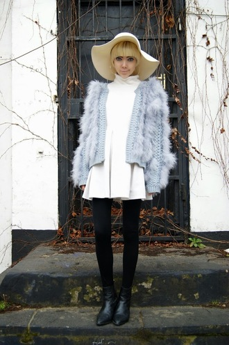 stella's wardrobe blogger hat jacket skirt shoes