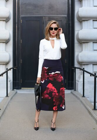 the classy cubicle blogger sunglasses maxi skirt floral skirt white blouse