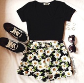 shorts,denim shorts,daisy,flowers,top,shoes,shirt,flowered shorts,sunglasses,ring,black,hipster,crop tops,cute,style,cute shorts,white skirt,dasiy,High waisted shorts,dasies,floral,soft grunge,grunge,sunflower shorts,sunflower,printed pants,cut off shorts,girly,pants,summer,flower black shorts white shirt