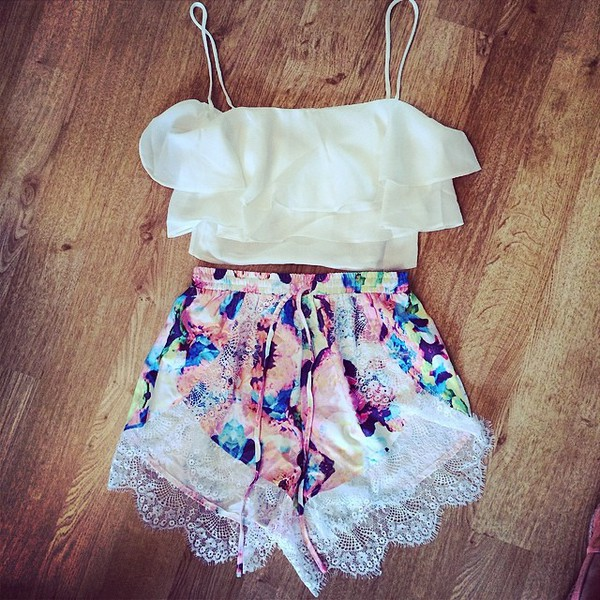 shorts pink lace