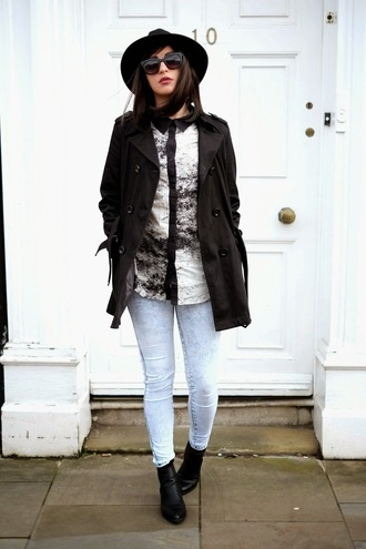 moon magik blogger shirt black coat acid wash jeans coat shoes