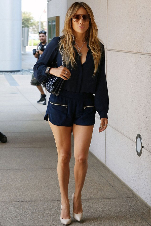jennifer lopez shorts black shoes jewels bracelets sunglasses