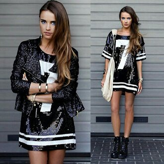 perfecto t-shirt dress basketball t-shirt army boots white handbag jersey glitter black and white sequins combat boots