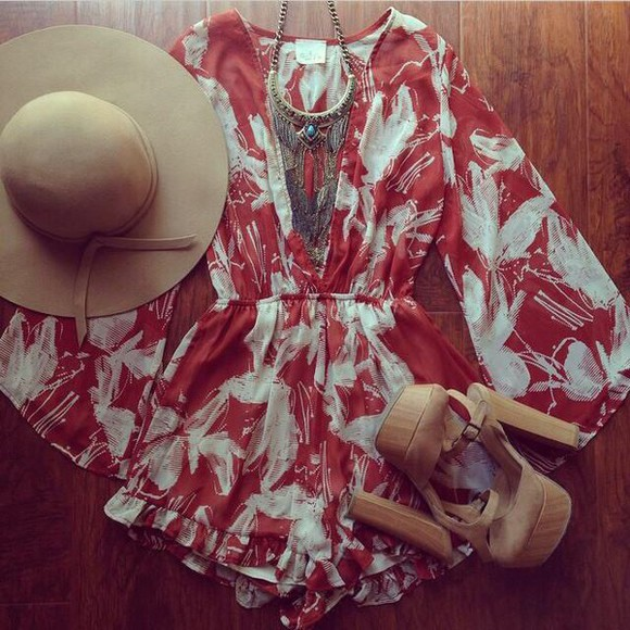 white floral shorts necklace jewels jumpsuit romper jewelry wedges bege