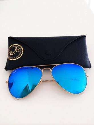 sunglasses rayban round sunglasses mirrored sunglasses retro sunglasses blue sunglasses summer fashion vibe besch ootd blue black bag