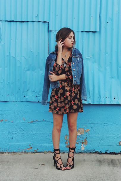 views of now blogger dress spring outfits denim jacket floral dress black heels