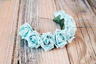 jewels girly weheartit flower crown sassy nice lana del rey green vintage rose roses flowers crown head wood floor hair accessory flower headband hipster grunge beach wedding