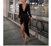 dress,black,long sleeve plunge dress