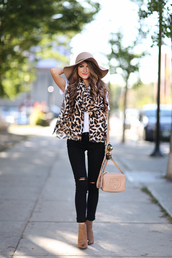 southern curls and pearls,blogger,scarf,t-shirt,shoes,hat,bag,jewels,make-up,animal print,white top,floppy hat,skinny jeans,nude,infinity scarf,ripped jeans,black jeans,gucci,ankle boots,nude bag,shoulder bag