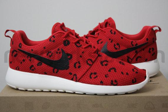 Nike Mens Cheetah Print Running Shoes