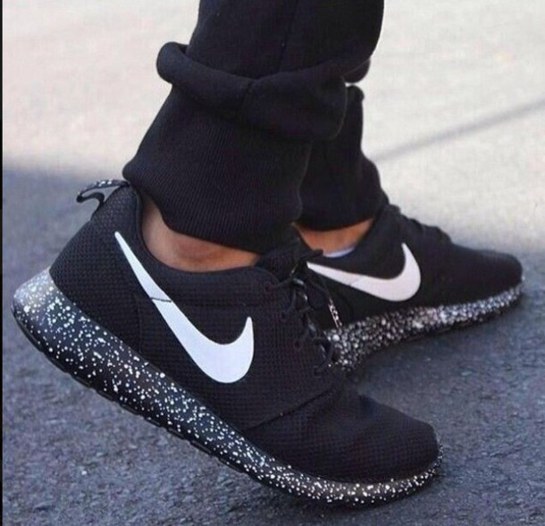 nike roshe run black women's australian clothing