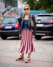 skirt,midi skirt,striped skirt,sneakers,leather jacket,denim top,bag,sunglasses