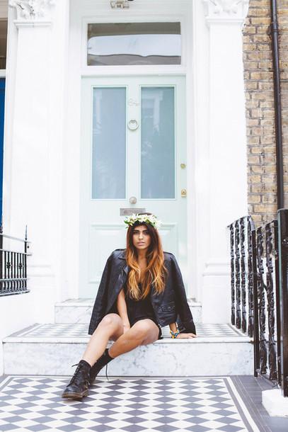 she wears fashion blogger jacket grunge shoes