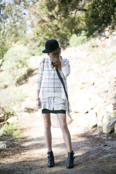 could i have that blogger hat checkered cap black baseball hat
