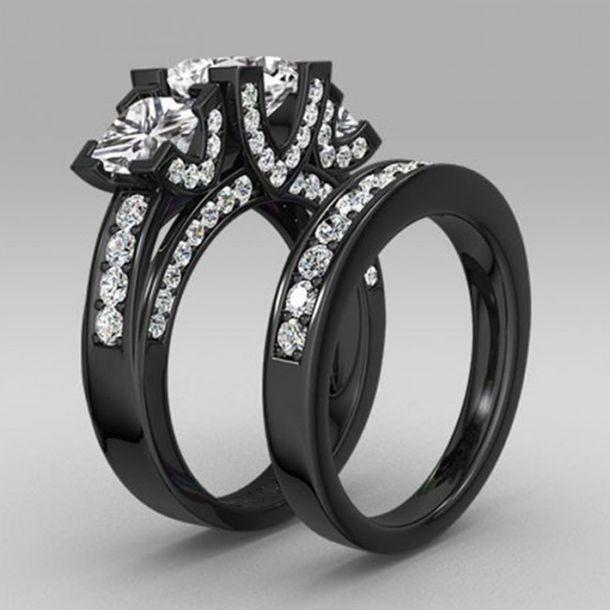jewels evolees evoleescom three main princess cut diamond wedding ring set in black gold - Black And Silver Wedding Rings