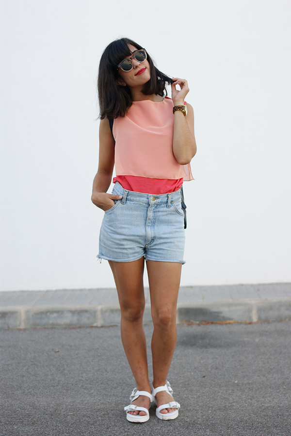 vintage shoes for her sunglasses t-shirt shorts bag shoes