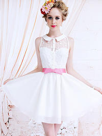 White Sleeveless Asian Fashion Princess Dress With A Collar And Lace Details