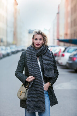 blogger scarf bag jewels jeans zanita winter coat knitted scarf