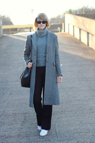 district of chic blogger turtleneck grey coat