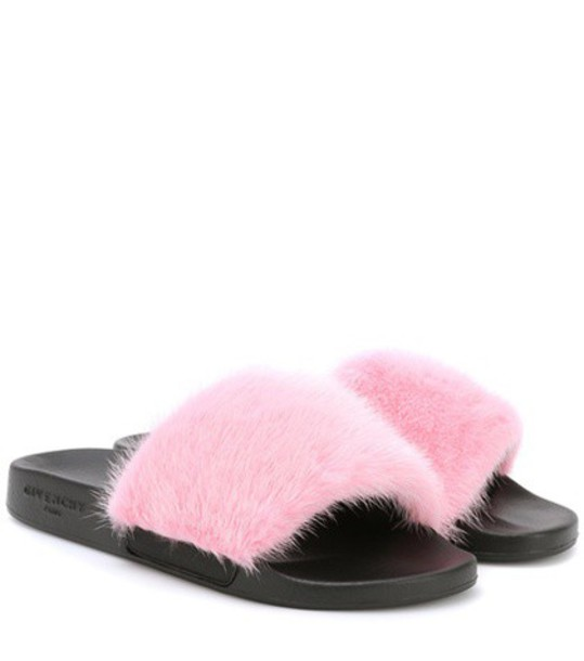 fur pink shoes