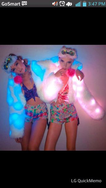 coat light up fur coat fur jacket neon kawaii cute colorful fluffy pretty glow in the dark shorts