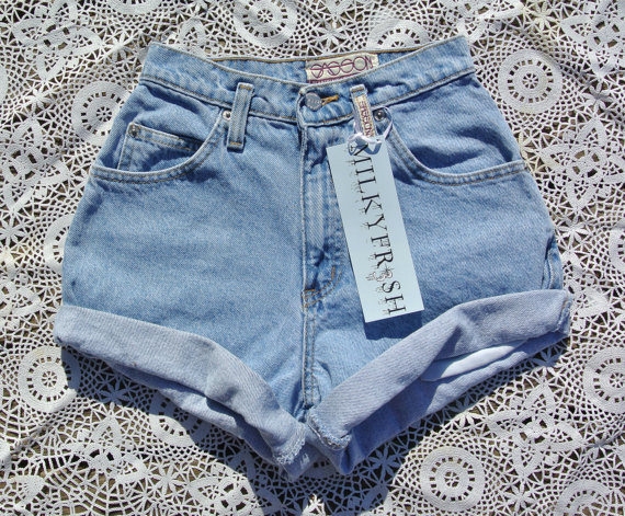 High Waisted Cuffed Vintage Shorts Size 0 Milky Fr3sh by ShopMilky
