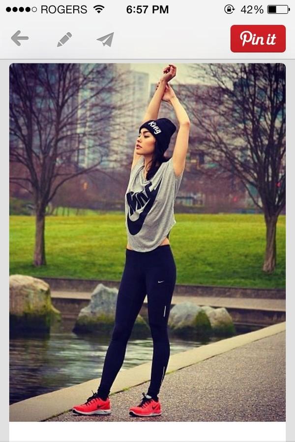 21b5e397a70c8 Nike Signal Damen-T-Shirt. Nike Store Deutschland