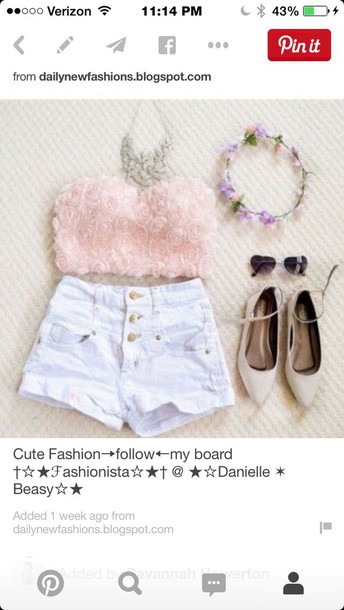 blouse shorts shoes
