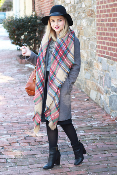 poor little it girl blogger coat blanket scarf black boots