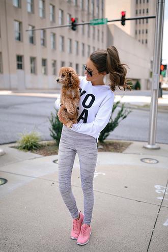 top leggings tumblr sporty hoodie white top workout leggings grey leggings sneakers pink sneakers