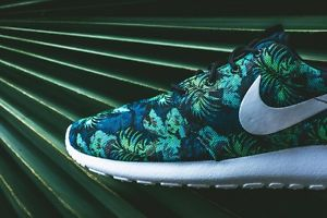 NIKE ROSHE RUN MENS PRINT BLUE FLORAL SNEAKER 655206-413 US MENS 8-12