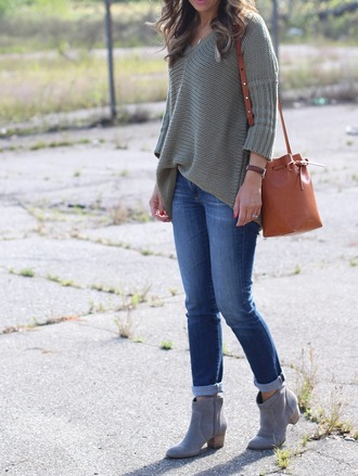 lilly style blogger sweater jeans shoes bag jewels grey sweater shoulder bag brown bag skinny jeans asymmetrical ankle boots grey grey boots