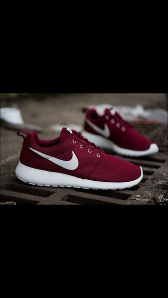 shoes burgundy nike low top sneakers