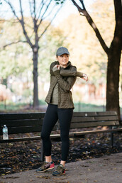 bows&sequins,blogger,jacket,t-shirt,tights,hat,shoes,sportswear,sports outfit,cap,sneakers,leggings,army green jacket,hooded jacket