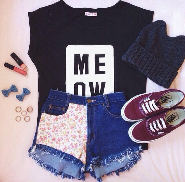 meow cats t-shirt black and white black and white cats flowered shorts half cut off shorts vans burgundy vans bows accessories blue beanie kittycat hair accessory skirt