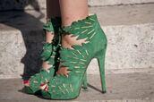 shoes,green,heels,leaves