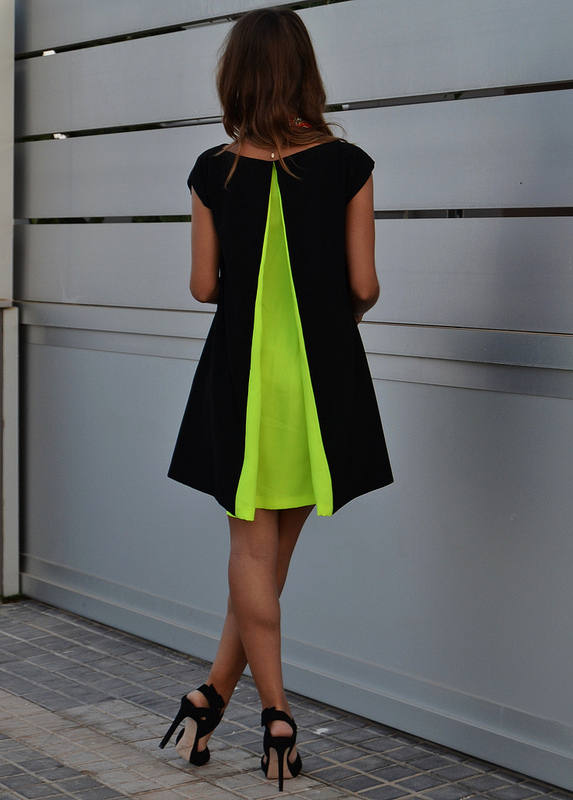 Renata Giglio Black Neon Green Pleat Back Little Dress