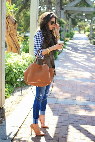 bag plaid shirt vest denim checkered blue and white gold jewelry tote bag j crew vera wang high heels spring outfits fall outfits casual classy preppy