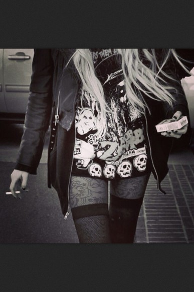 taylor momsen the pretty reckless grunge black and white leather jacket cigarette little black dress skull