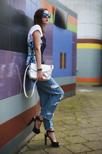 style scrapbook blogger jeans bag