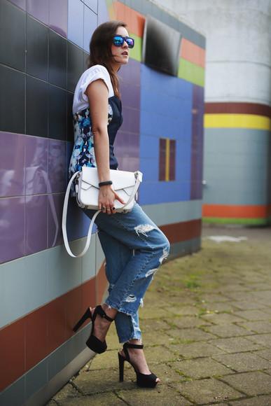 style scrapbook blogger bag jeans