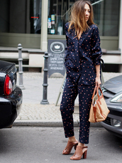 pants,printed blazer,pajama style,blazer,cropped pants,printed pants,matching set,sandals,sandal heels,high heel sandals,nude sandals,bag,nude bag,streetstyle