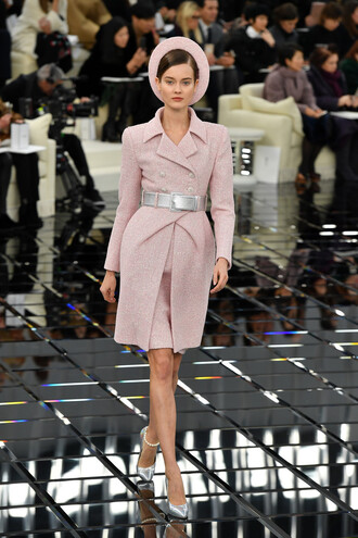 coat pumps fashion week 2017 chanel hat fashion week