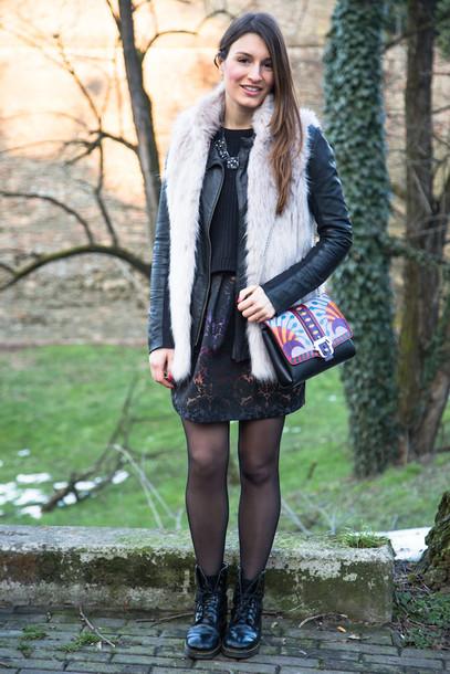 style and trouble blogger bag faux fur vest black jacket dress sweater jacket grey fur vest