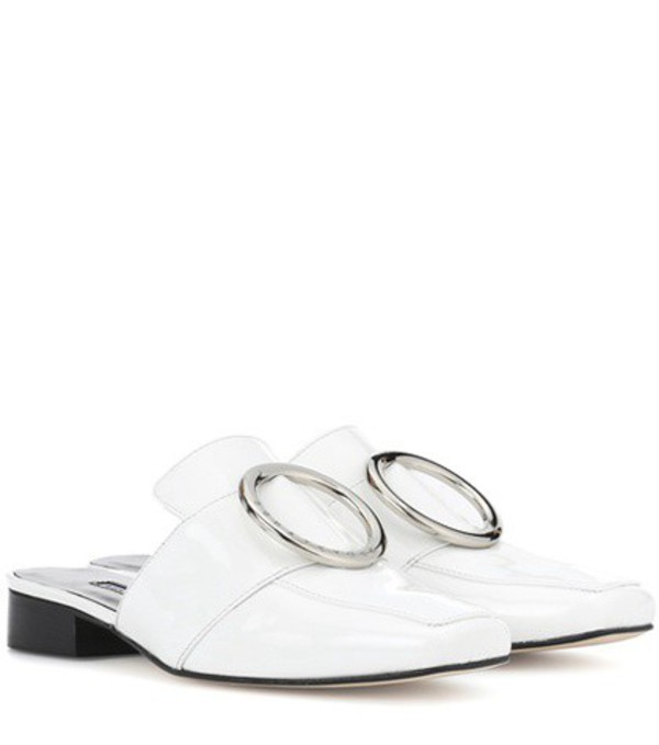 Dorateymur Petrol patent leather mules in white