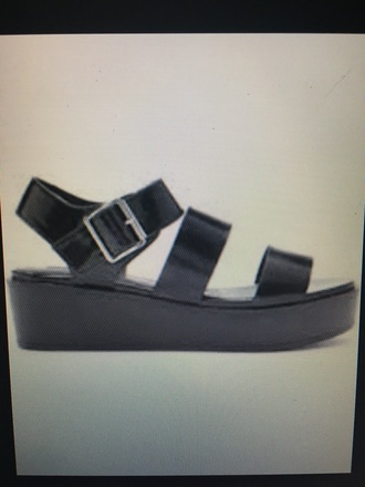 shoes black flatform flatform sandals platform shoes platform sandals strappy forever 21 flatforms cute platforms