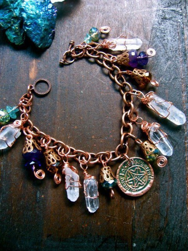 jewels necklace boho hippie indie beautiful amazing stone metal gold gold moon crystal