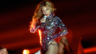 beyoncé celebrity style embellished bodysuit body vma beyonce style curly hair