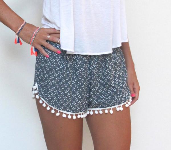 shorts pompom shorts